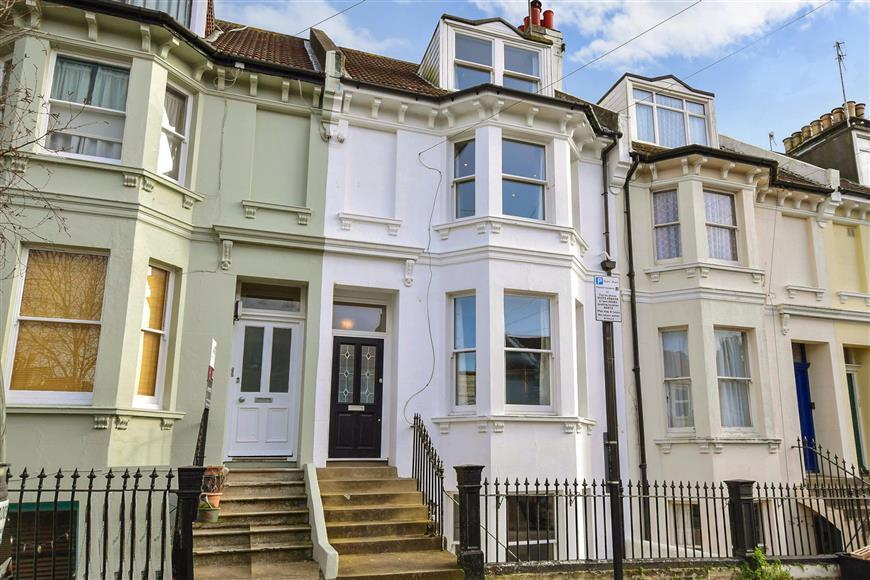 4 Bedrooms Terraced House for sale in Warleigh Road, Brighton, East Sussex