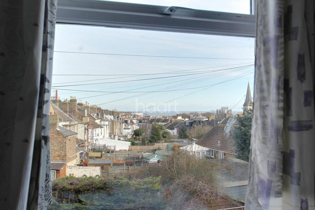 3 Bedrooms Flat for sale in Grange Road, Ramsgate, Kent, CT11 9LP