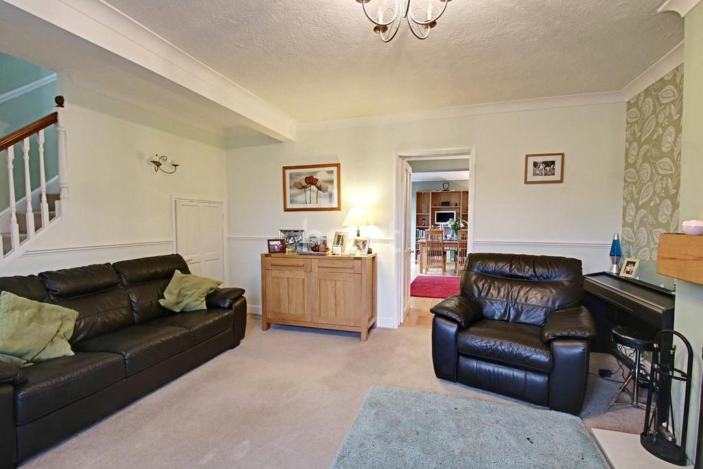 3 Bedrooms Semi Detached House for sale in Great Elms Road, HP3