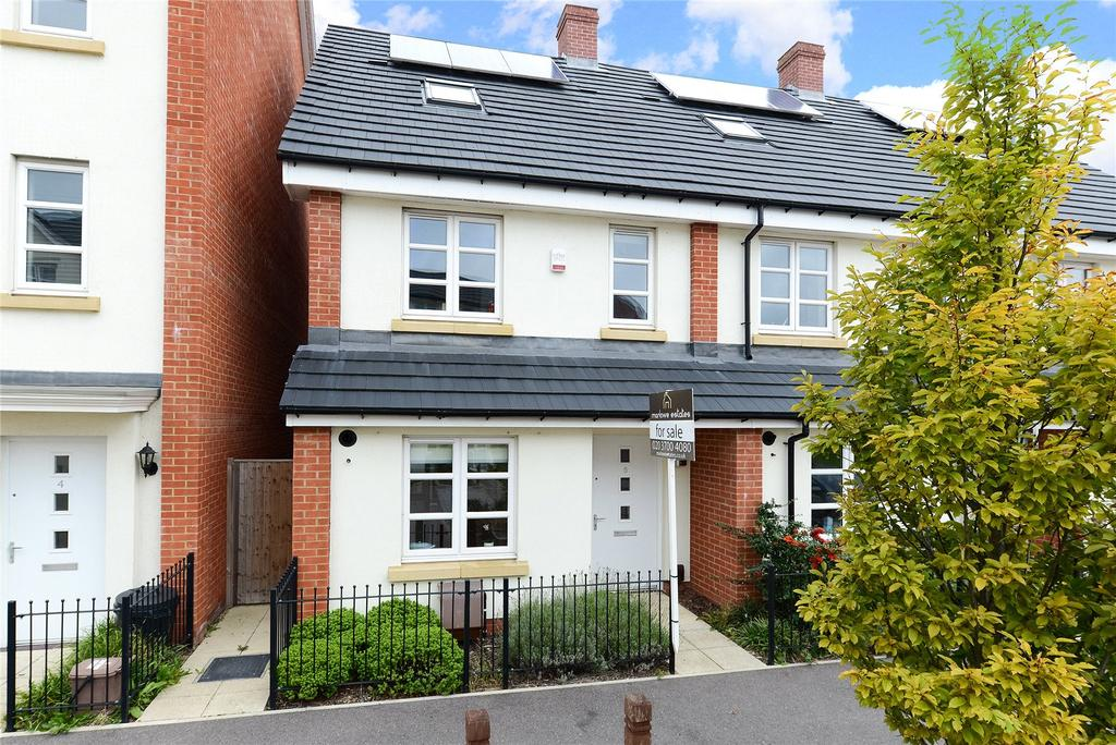 3 Bedrooms End Of Terrace House for sale in Cotton Close, Mitcham, Surrey, CR4