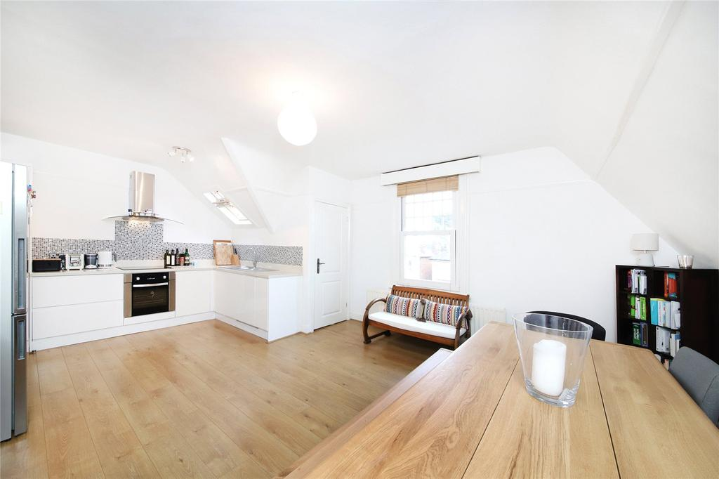 2 Bedrooms Maisonette Flat for sale in Greyhound Lane, London, SW16