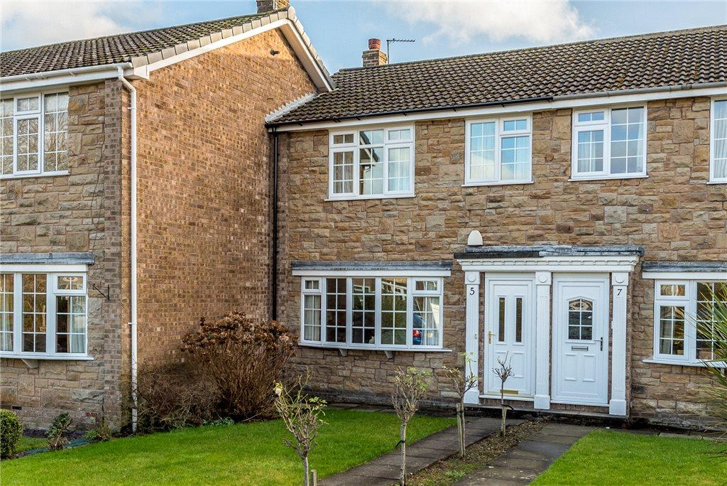 3 Bedrooms Terraced House for sale in The Chase, Wetherby, West Yorkshire