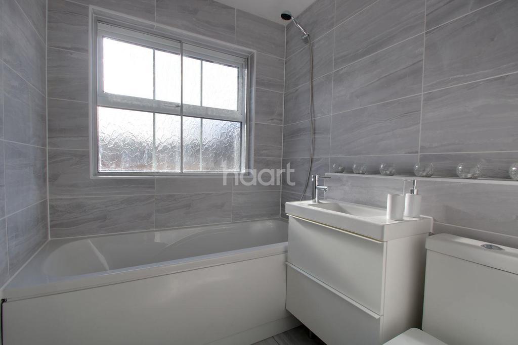 2 Bedrooms Maisonette Flat for sale in Barton Hills