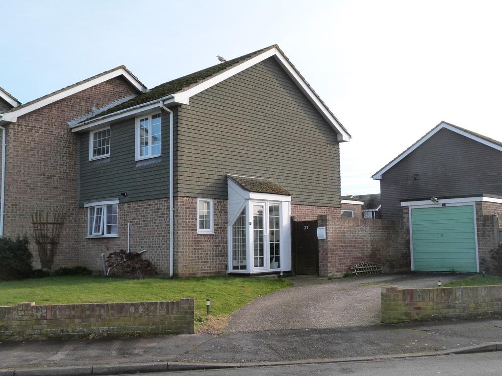 3 Bedrooms End Of Terrace House for sale in Horsefield Road, Selsey