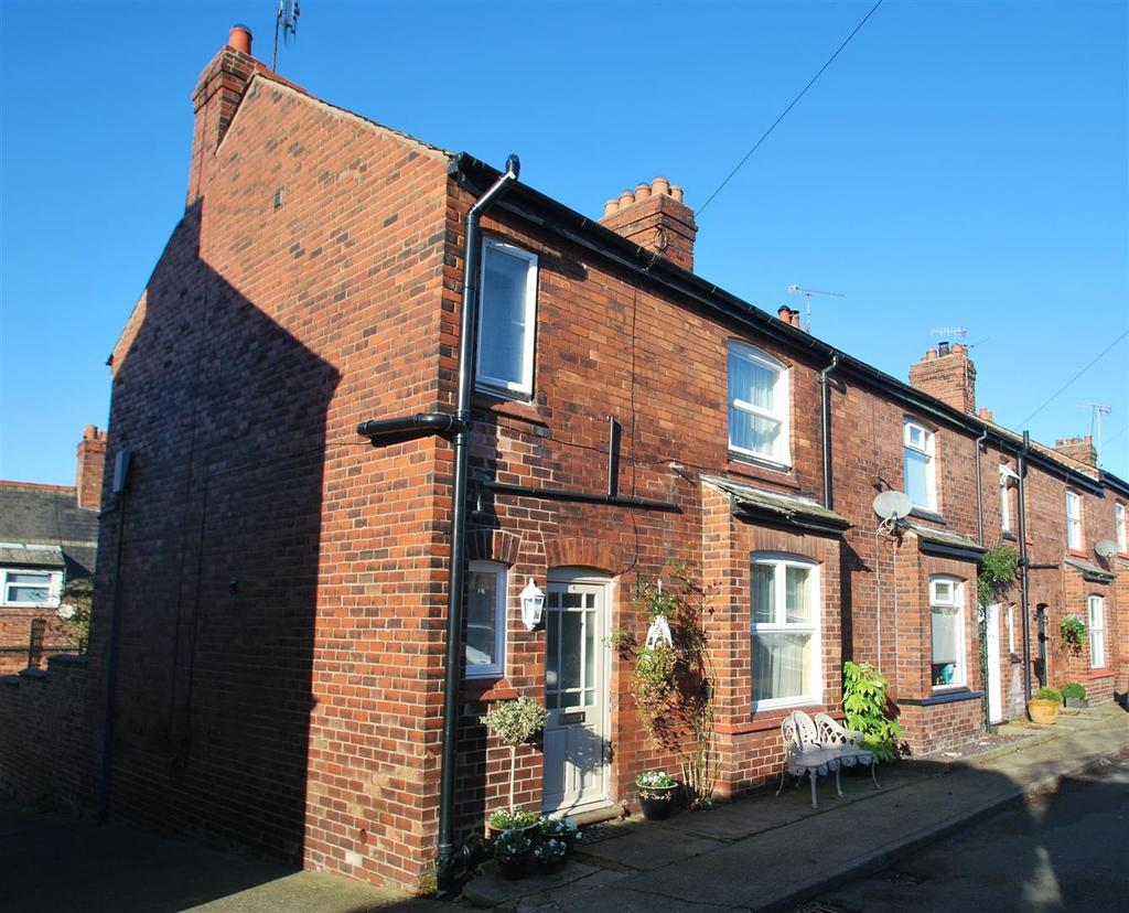 3 Bedrooms Terraced House for sale in Back Crossland Terrace, Helsby