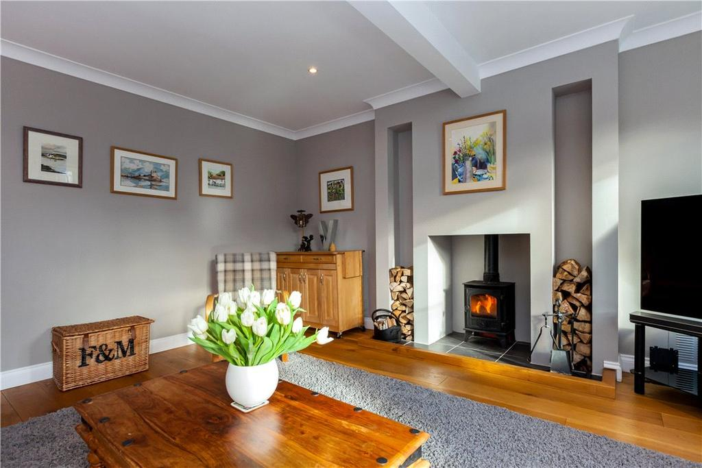4 Bedrooms Detached House for sale in Salisbury Road, Hungerford, Berkshire, RG17
