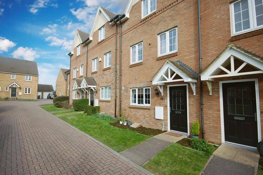 3 Bedrooms Town House for sale in Brick Kiln Road, Stevenage