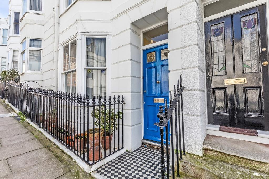 4 Bedrooms Terraced House for sale in Montpelier Street Brighton East Sussex BN1