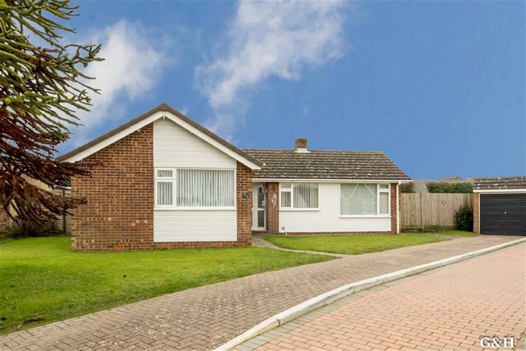 4 Bedrooms Detached Bungalow for sale in Downs Way, Sellindge, Ashford