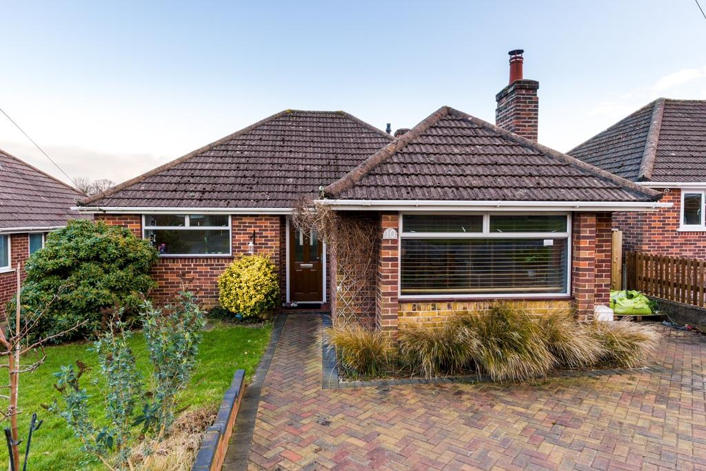 3 Bedrooms Bungalow for sale in HYTHE