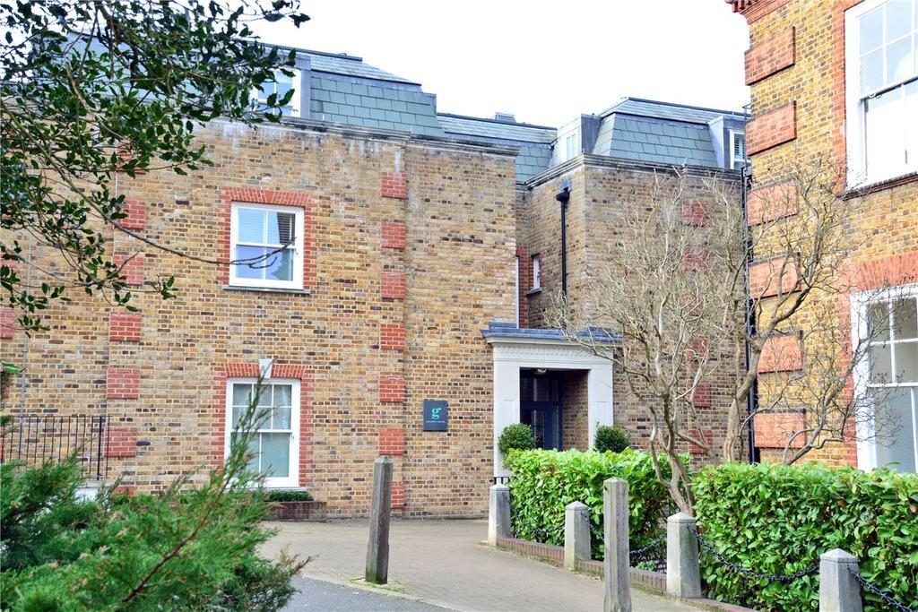2 Bedrooms Flat for sale in Gardens House, 92 Mycenae Road, Blackheath, London, SE3