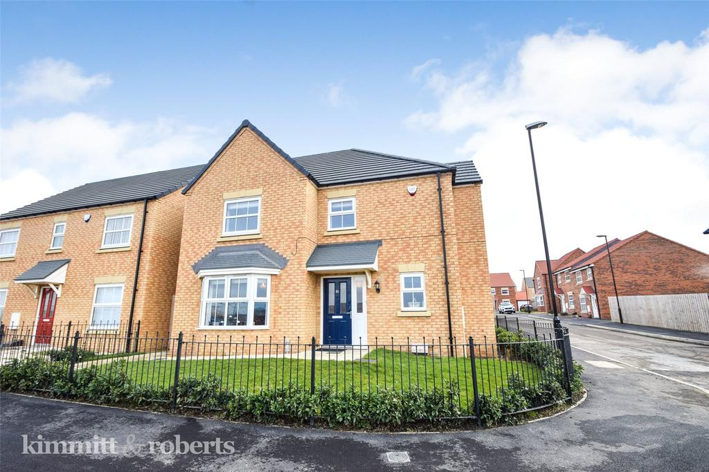 4 Bedrooms Detached House for sale in Kingfisher Drive, Easington Lane, Tyne and Wear, DH5