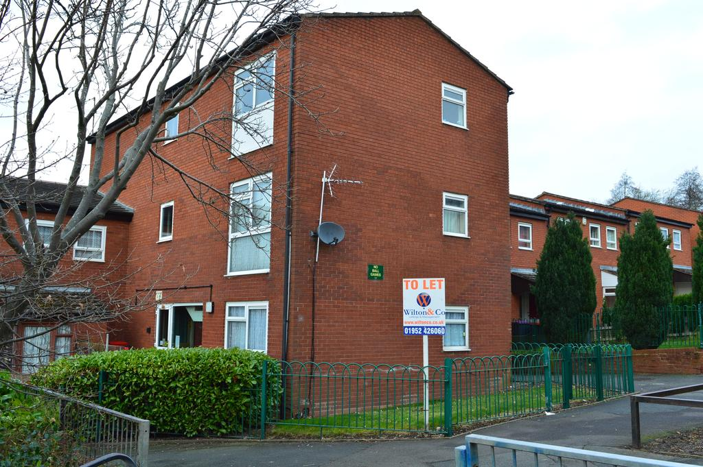 2 Bedrooms Flat for rent in Chatford, Stirchley, Telford TF3