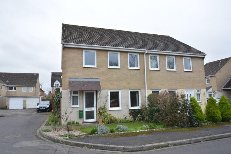 3 Bedrooms Semi Detached House for sale in Roundway Court, Andover