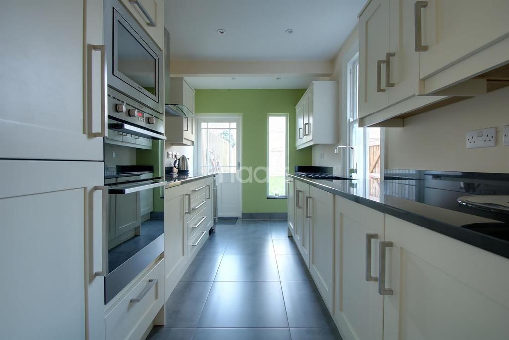 3 Bedrooms Terraced House for sale in Cyprus Road, Cambridge