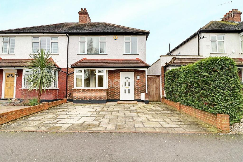 3 Bedrooms Semi Detached House for sale in Green Lane, KT4 8AR