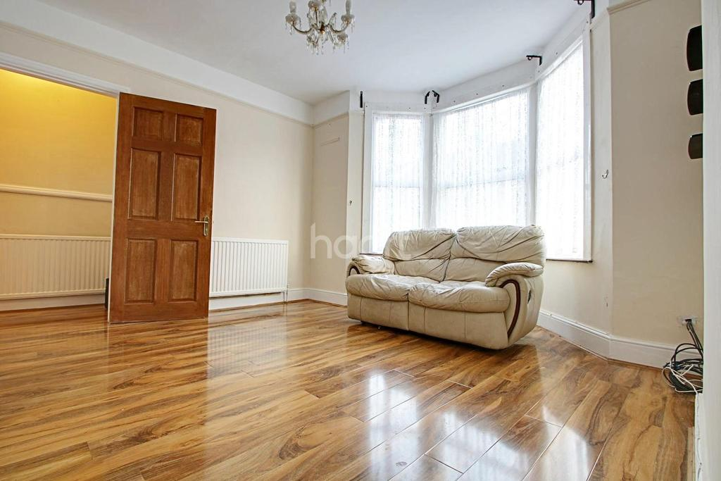 3 Bedrooms Terraced House for sale in Fairholme Road, Croydon, CR0