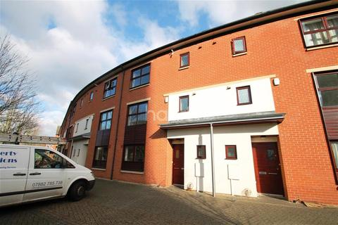 4 bedroom detached house to rent - Tower Square