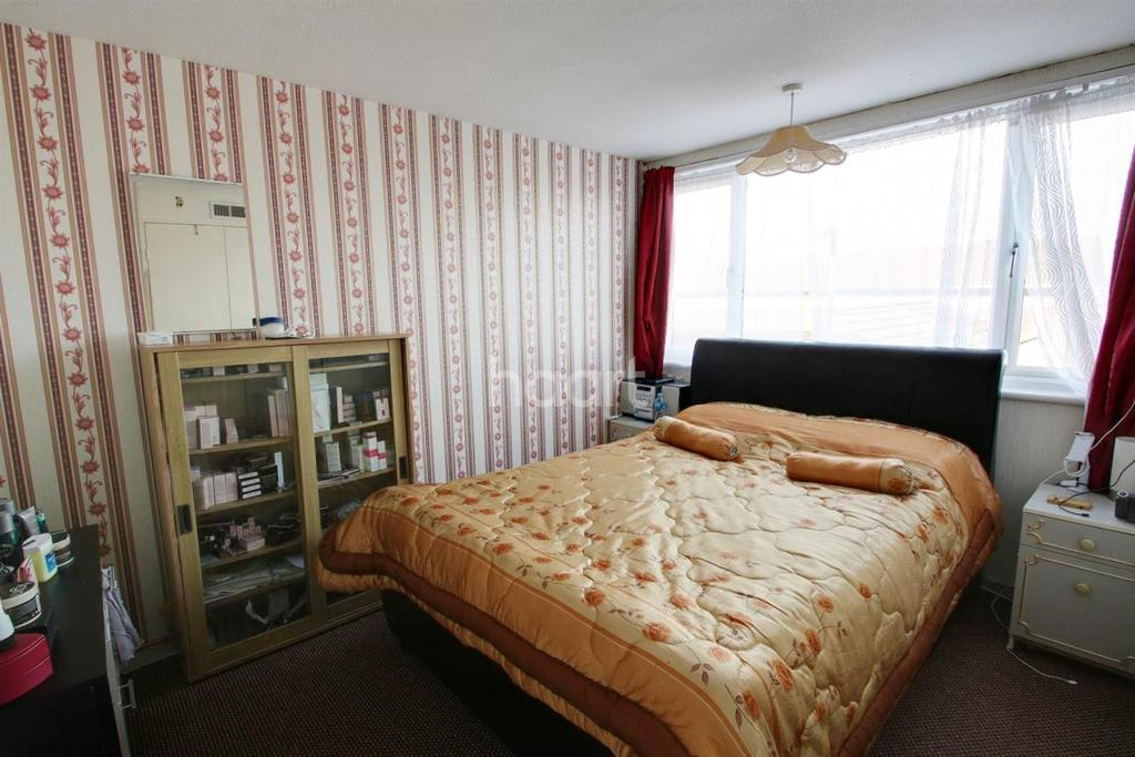 4 Bedrooms Terraced House for sale in Berecroft, Harlow