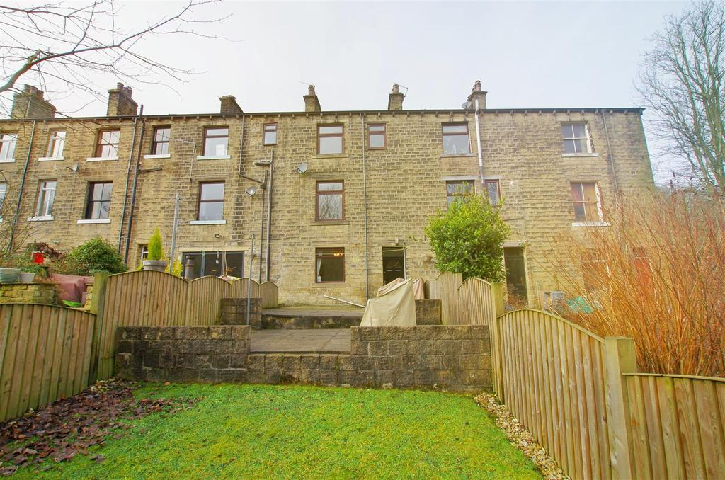 3 Bedrooms Terraced House for sale in Halifax Road, Ripponden