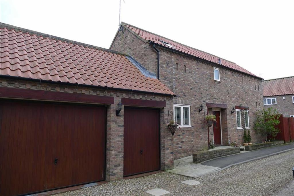 4 Bedrooms Detached House for sale in Slater Court, Market Weighton