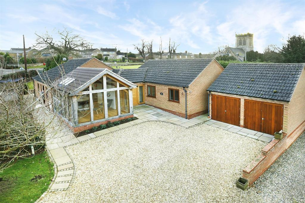 3 Bedrooms Detached Bungalow for sale in North Lea, Weston by Welland