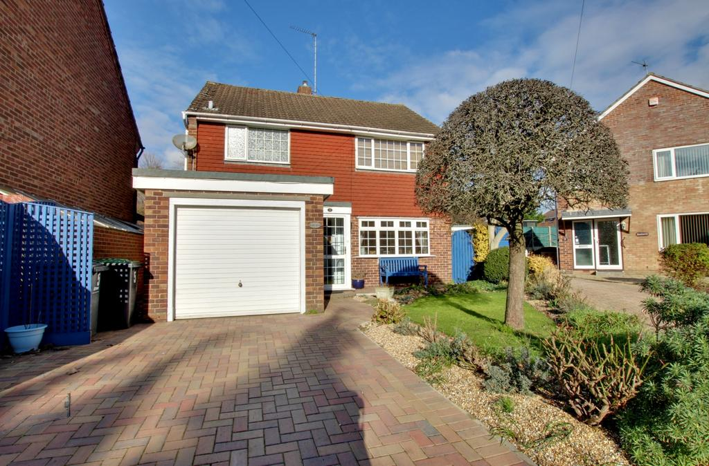 3 Bedrooms Detached House for sale in Old Bedhampton, Havant
