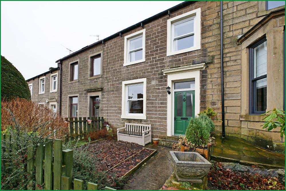 2 Bedrooms Terraced House for sale in Clough Terrace, Barnoldswick BB18
