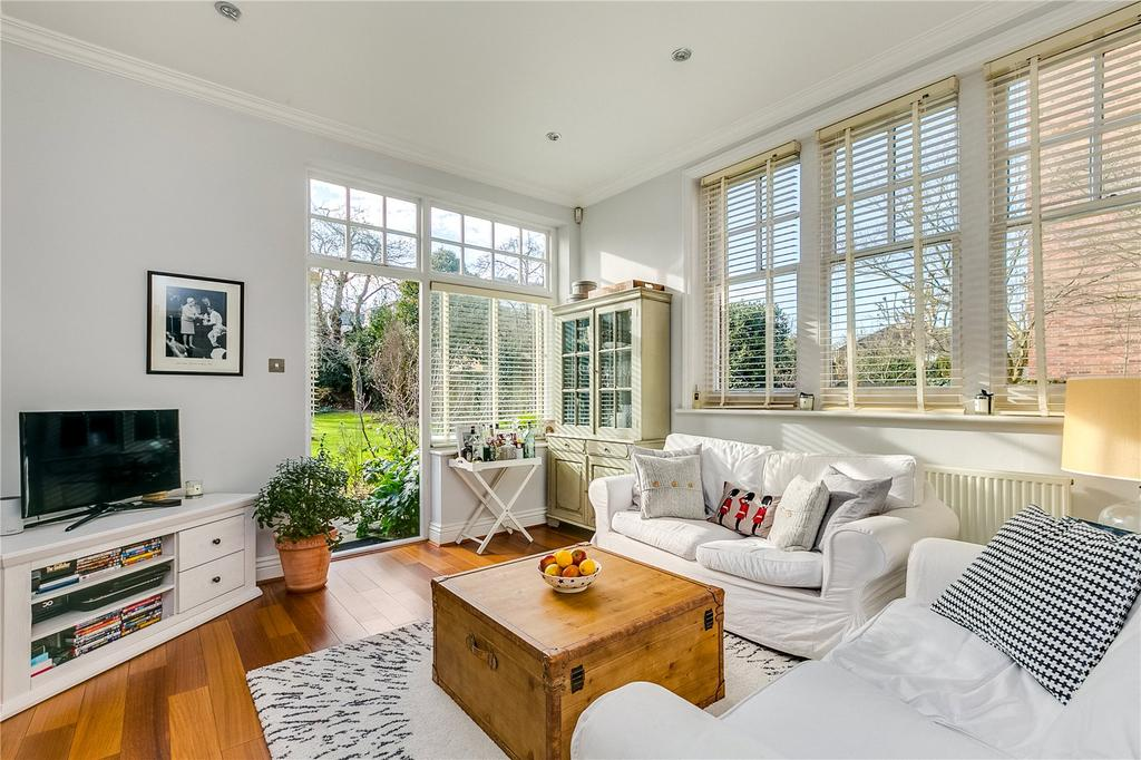2 Bedrooms Flat for sale in Cambalt Road, Putney, London