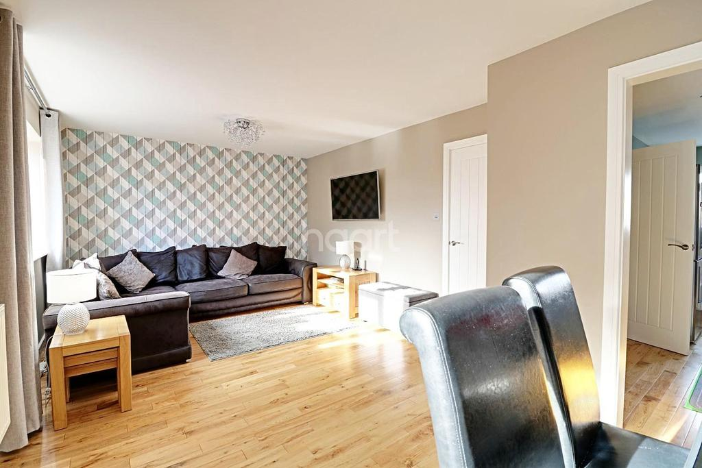 4 Bedrooms Detached House for sale in Stunner on Chantry Avenue