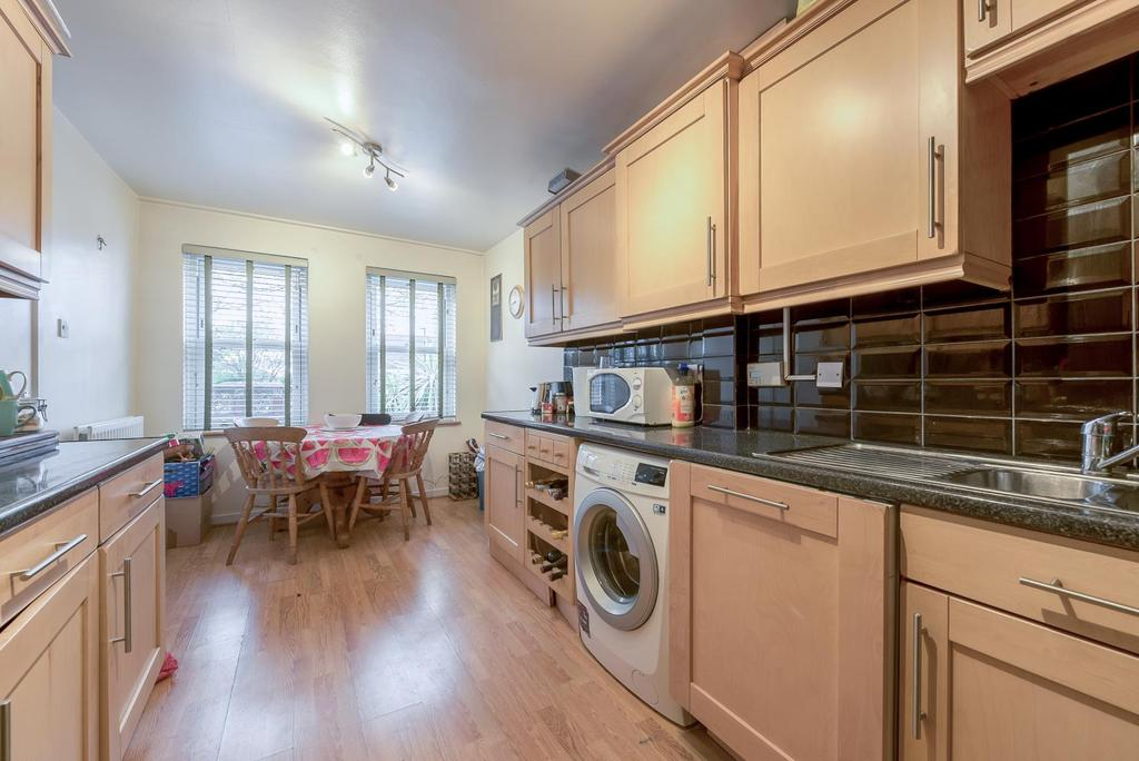3 Bedrooms House for sale in DOROTHY ROAD, SW11