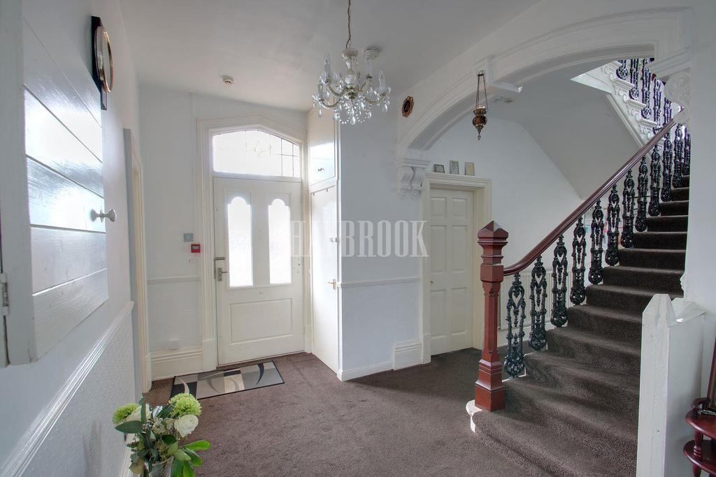 9 Bedrooms Detached House for sale in Carfield Avenue, Meersbrook, Sheffield