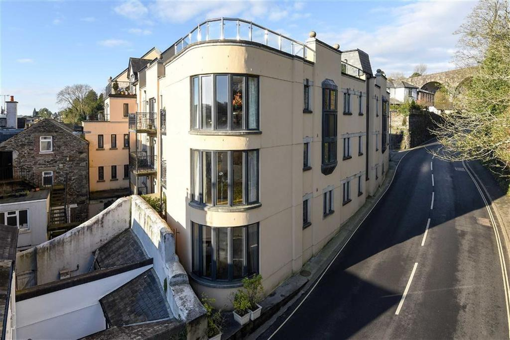 2 Bedrooms Apartment Flat for sale in Abbey Court, Tavistock, Devon