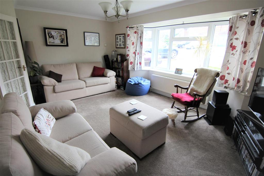3 Bedrooms Semi Detached House for sale in Manor Road, Burgess Hill