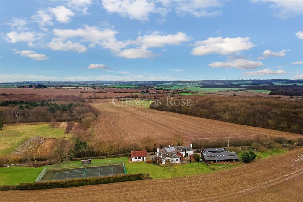4 Bedrooms Detached House for sale in Ongar