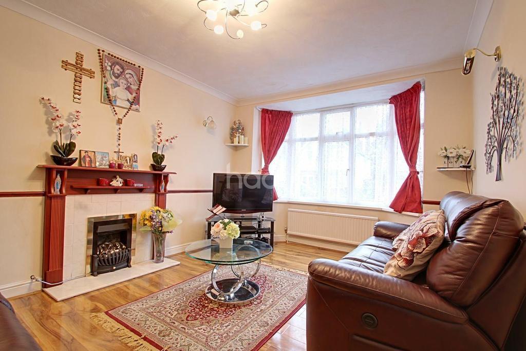 3 Bedrooms Detached House for sale in Newbury Road, Ipswich