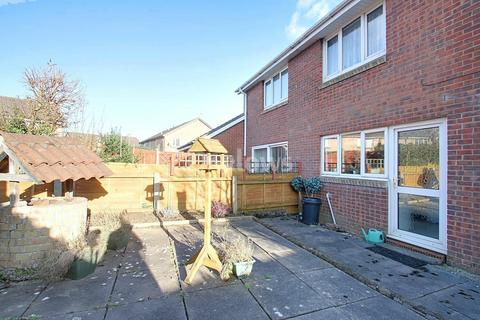 2 bedroom end of terrace house for sale - Limeslade Close, Fairwater