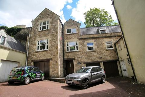 5 bedroom house to rent - Holywell House