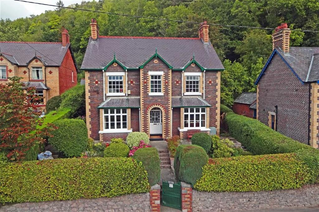 4 Bedrooms Detached House for sale in Pwllglas, Ruthin, Ruthin