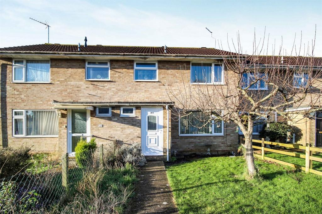 3 Bedrooms Terraced House for sale in Symes Road, Hamworthy, POOLE, Dorset