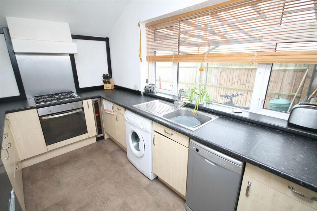 4 Bedrooms Semi Detached House for sale in Feltham Hill Road, Ashford, Surrey