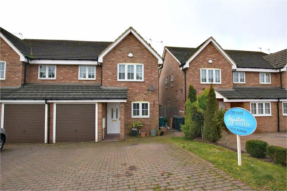 4 Bedrooms Semi Detached House for sale in Popes Road, ABBOTS LANGLEY, Hertfordshire