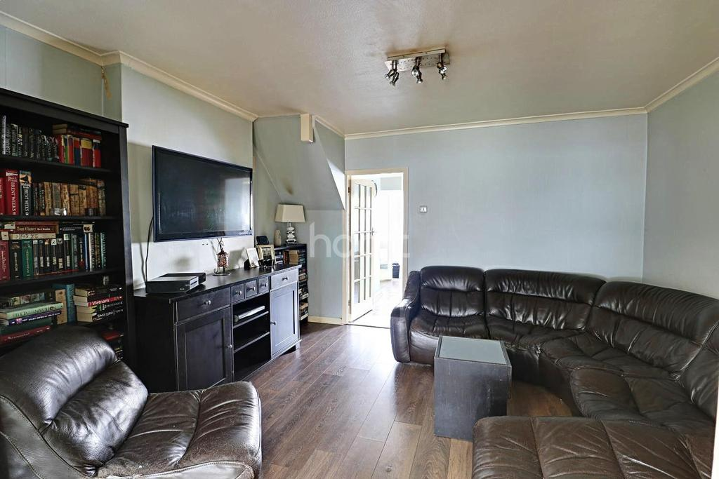 3 Bedrooms End Of Terrace House for sale in Whitehall Road, Thornton Heath, CR7