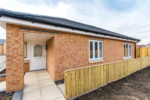 2 bedroom detached bungalow for sale - Alderton Chase, Gainsborough, Lincolnshire, DN21