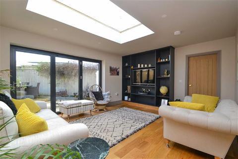 4 bedroom semi-detached house to rent - Luciefelde Road, Shrewsbury