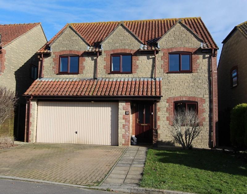 4 Bedrooms Detached House for sale in Hazelbury Bryan, Dorset