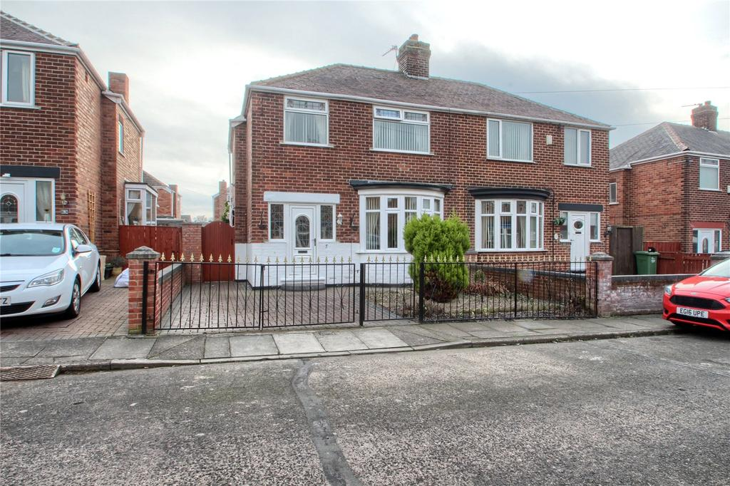 3 Bedrooms Semi Detached House for sale in Malling Road, Norton