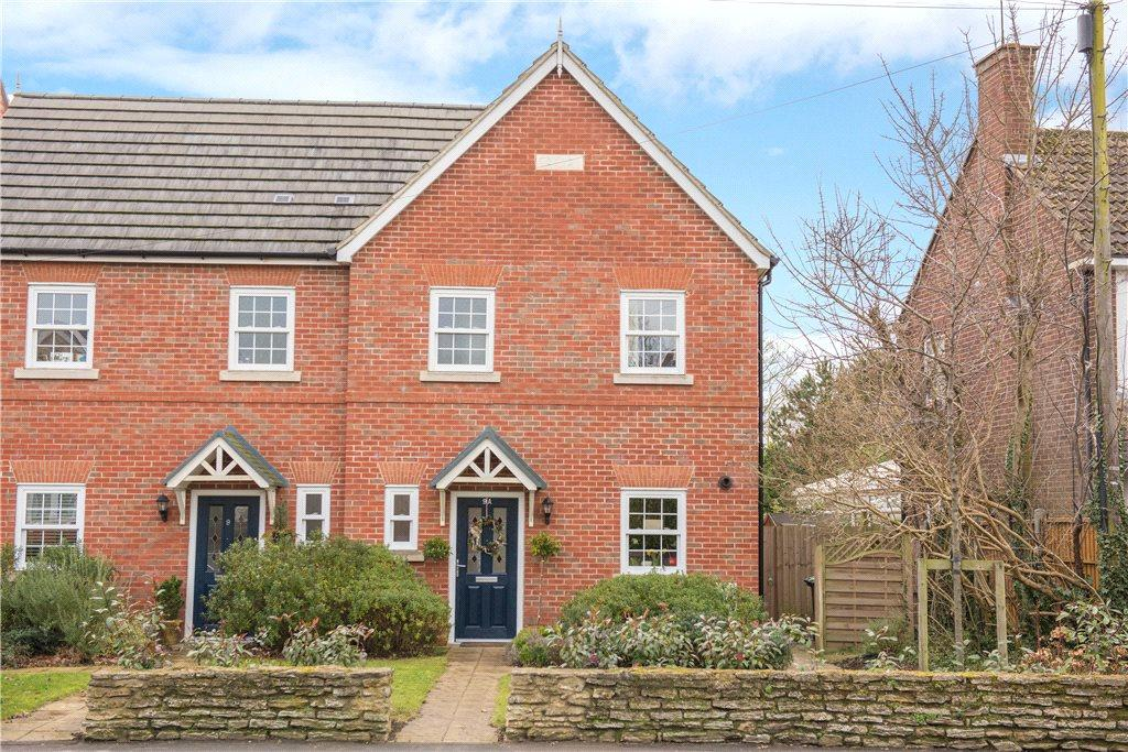 3 Bedrooms Semi Detached House for sale in High Street, Clapham, Bedford, Bedfordshire