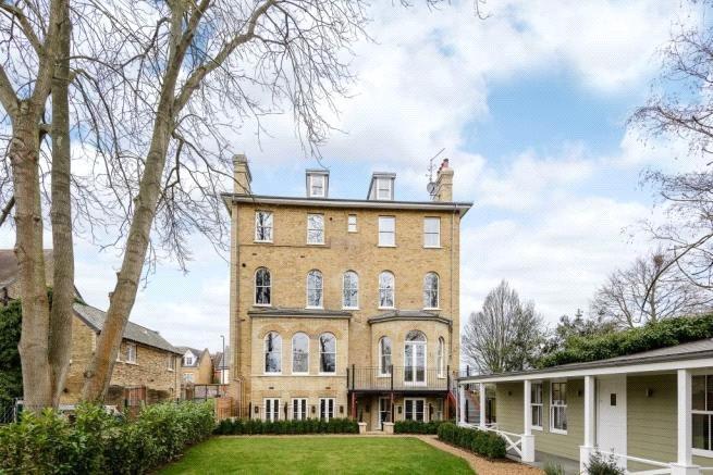 1 Bedroom Flat for sale in The Green, Twickenham, TW2