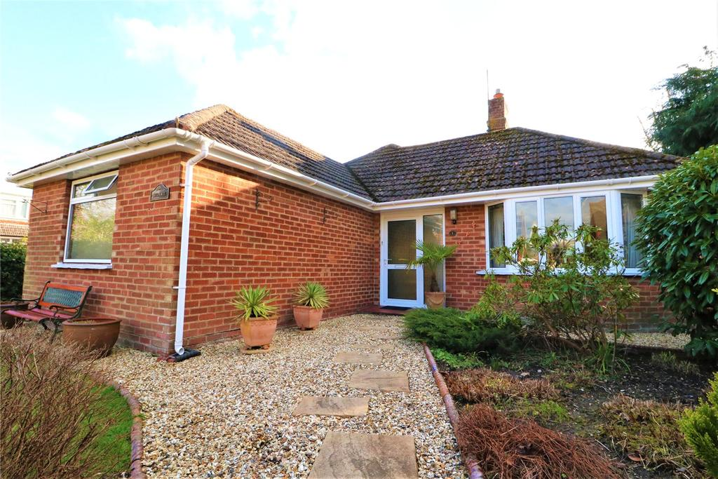 3 Bedrooms Detached Bungalow for sale in Greenways Road, Brockenhurst, Hampshire, SO42
